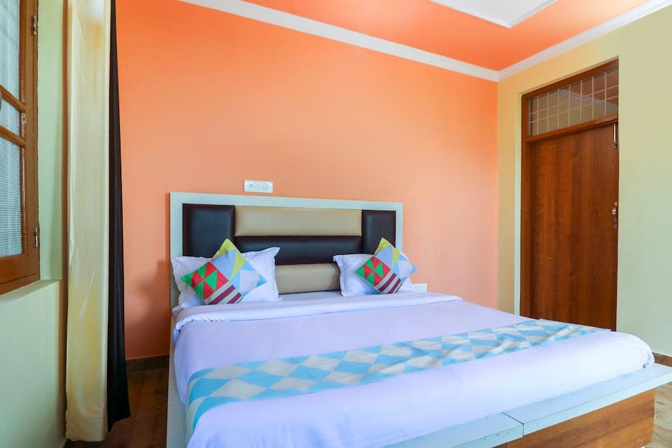 OYO Home 71724 Elegant 1bhk Dharamshala