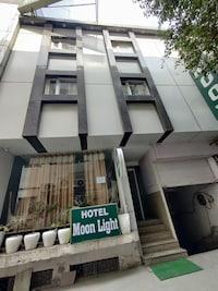 OYO 71740 Hotel Moonlight