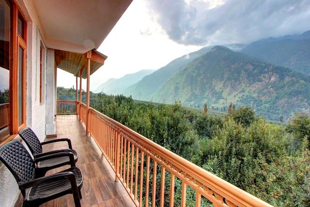 OYO Rooms 153 Devdar Valley View