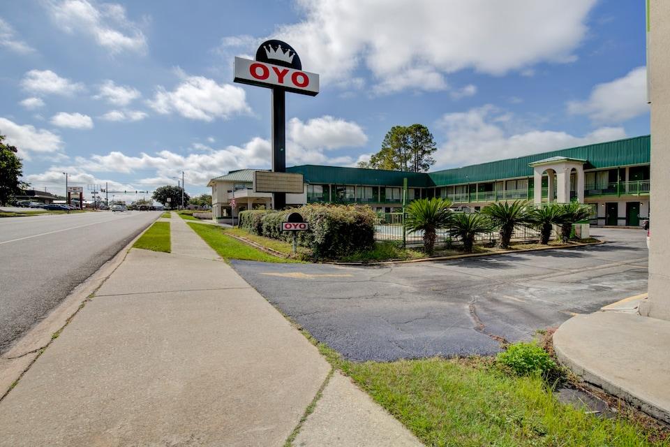 OYO Hotel Douglas GA US-441