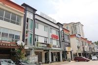 OYO 90027 Happy Hotel