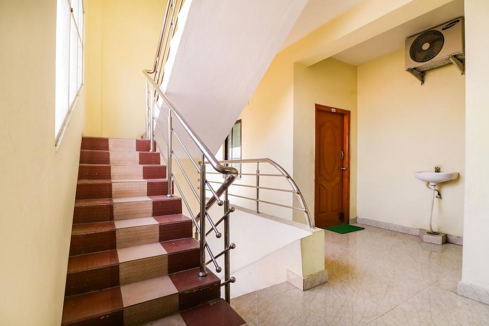 OYO 71765 Sri Muni Residency