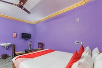 OYO 71800 Madras Guest House