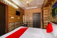 OYO 71802 Raj Palace Hotel & Restaurant