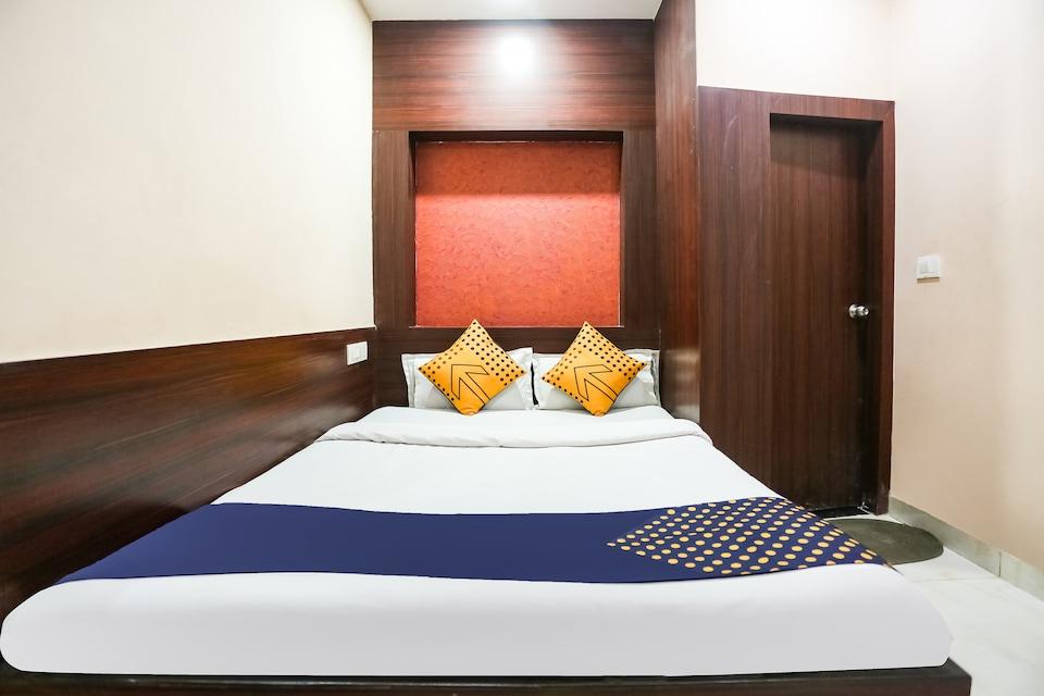 SPOT ON 71817 Hotel Paradise
