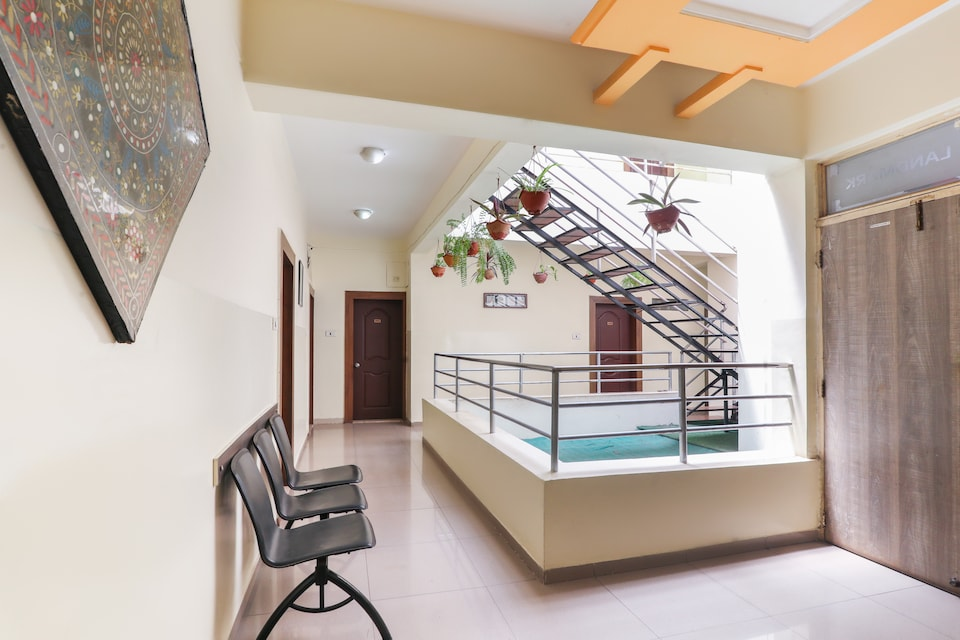 OYO 71837 Hotel Landmark, Kolhapur, Kolhapur