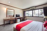 OYO 859 Golden Land Hotel