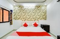 OYO 71911 Hotel Amber Palace