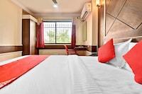 OYO 71957 Hotel Srinivasa Residency Deluxe