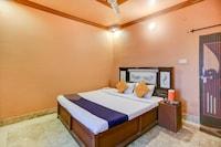 SPOT ON 72002 Hotel Sarojani Palace SPOT