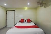 OYO 72057 Hotel Zamden