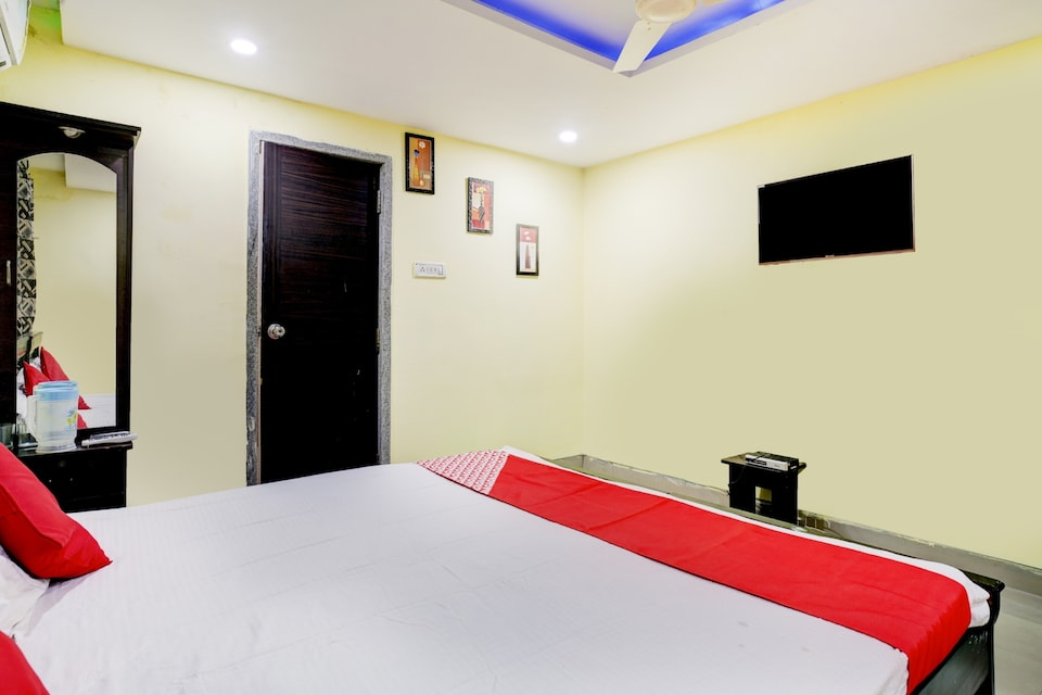 OYO 72073 Imperial Guest House
