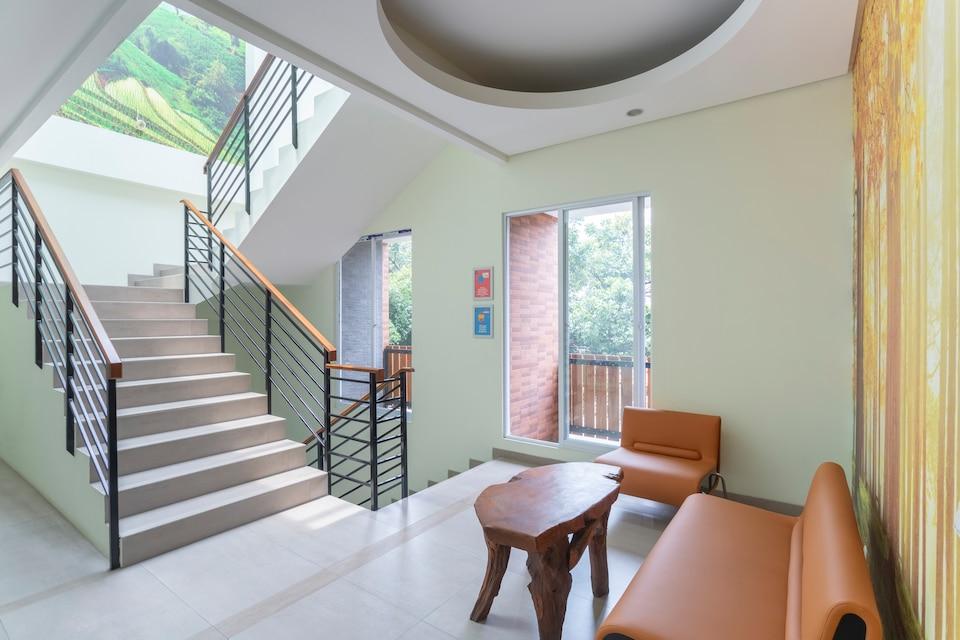 OYO Life 3329 Valvira Residence