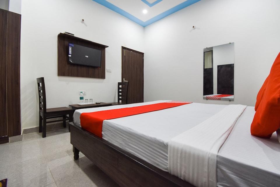 OYO 72080 Hotel Chandigarh View