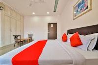 OYO 72088 La Vista Hotel