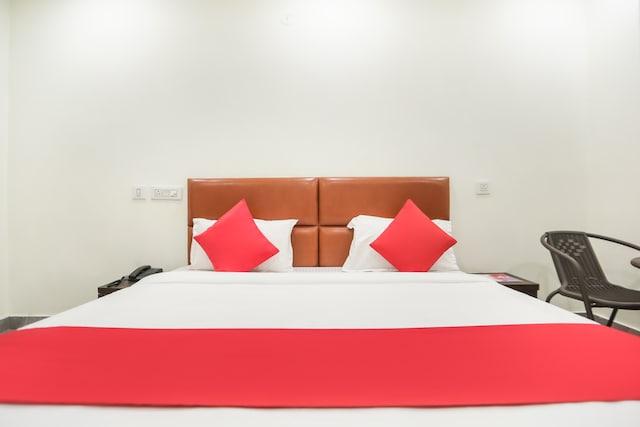 OYO 72100 Hotel Krishna