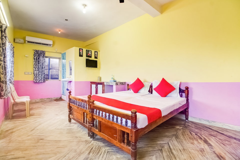 OYO 72171 Sri Sakthi Lodge