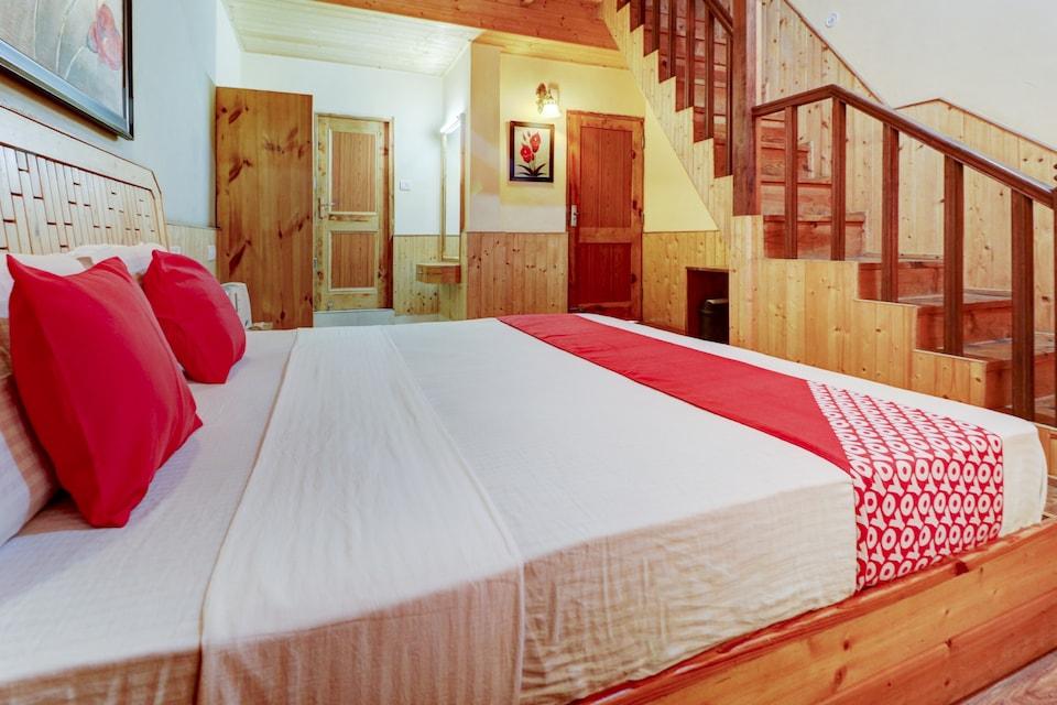 OYO 72193 Gold Rock Resort Shavarni Cottage, Naggar Road, Manali