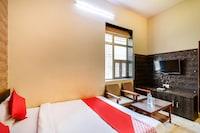 OYO 72203 Hotel Shrinath