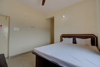 SPOT ON 72226 Hotel Chandrajyoti
