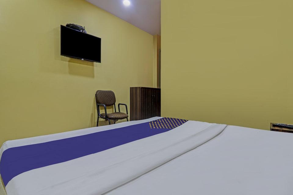 SPOT ON 72246 Gayatri Lodge, Secunderabad, Hyderabad