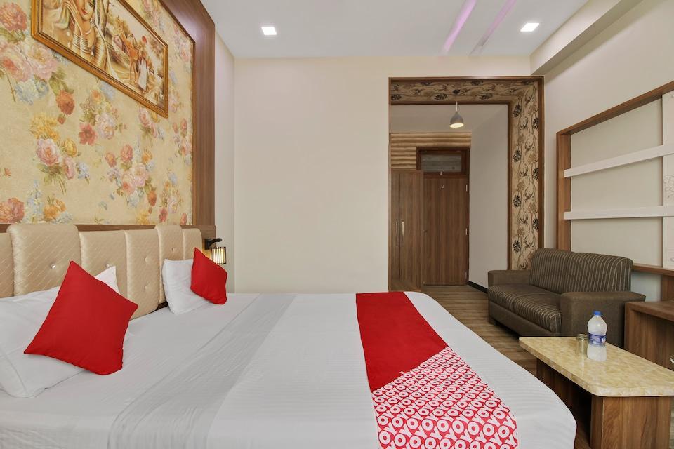 OYO 72247 Hotel Ss Residency