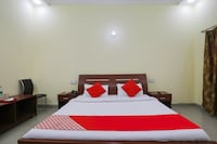 OYO 72250 Shekhar Inn