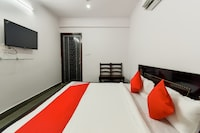 OYO 72263 Hotel Sanjeev Sreen Suite