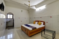 SPOT ON 72285 Hotel Green Krishna