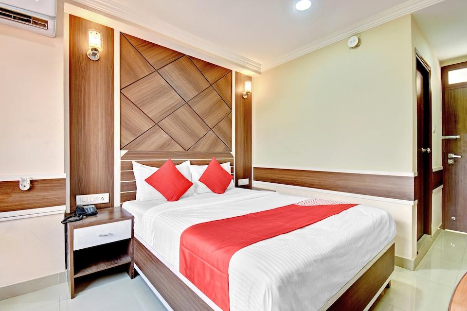 OYO 72312 Hotel Utsav Plaza