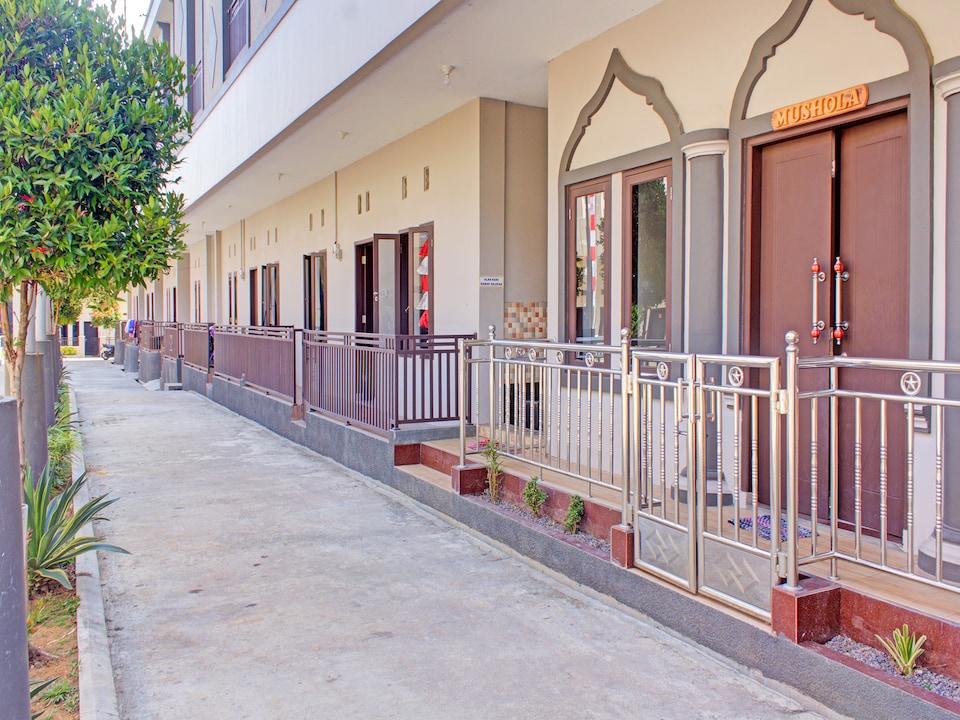OYO 3394 Apm Residence Syariah