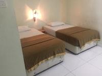 OYO 90057 Lavender Inn Hotel