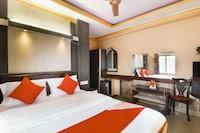 OYO 72383 Hotel Eleven 11
