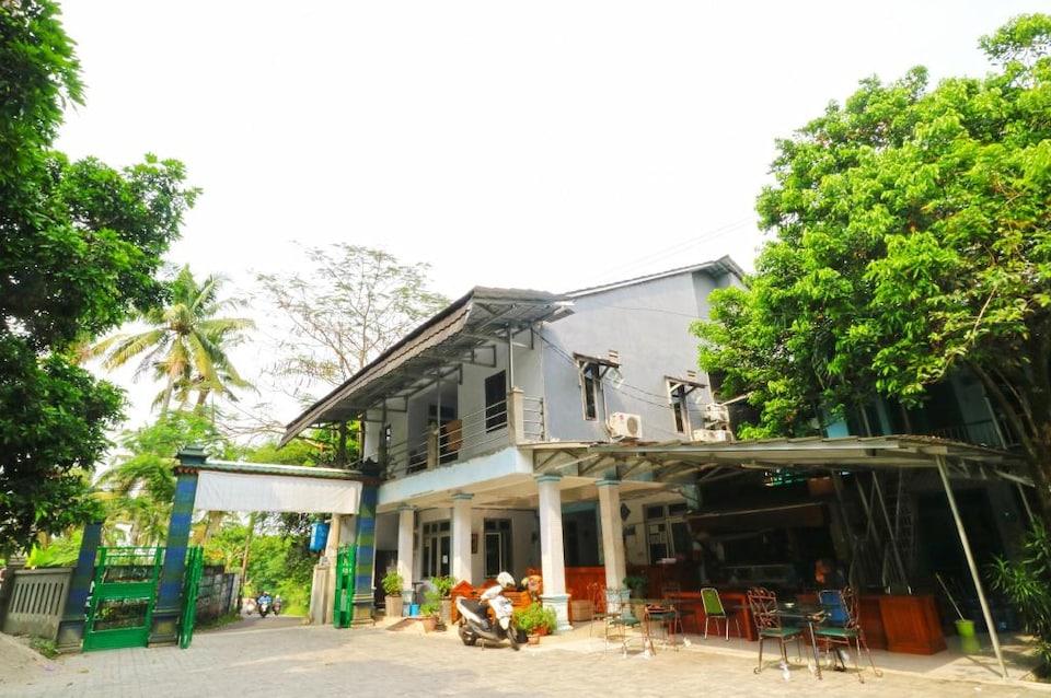 OYO 3408 Merica Place Syariah, Ciputat, Tangerang