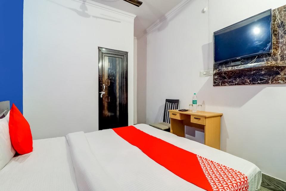OYO 72465 Hotel Gudaura
