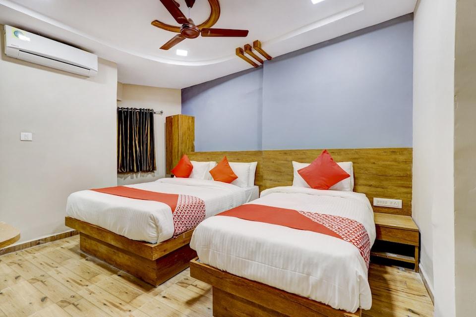 OYO 72486 Hotel Gokul Villa