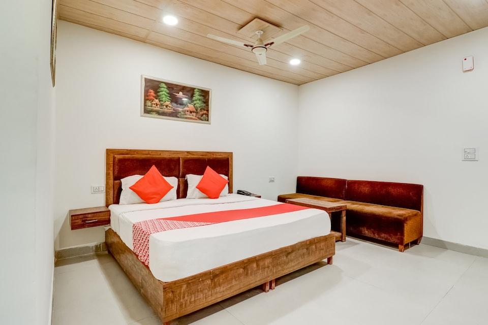 OYO 72491 Ramada Inn