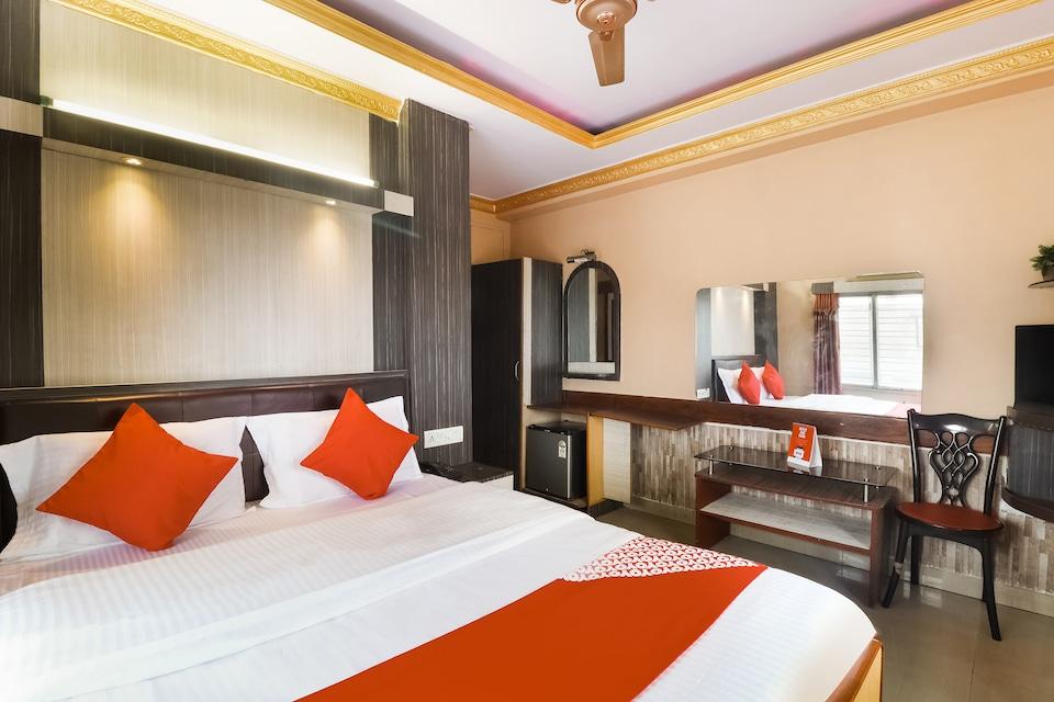 OYO 72502 Meera Residency