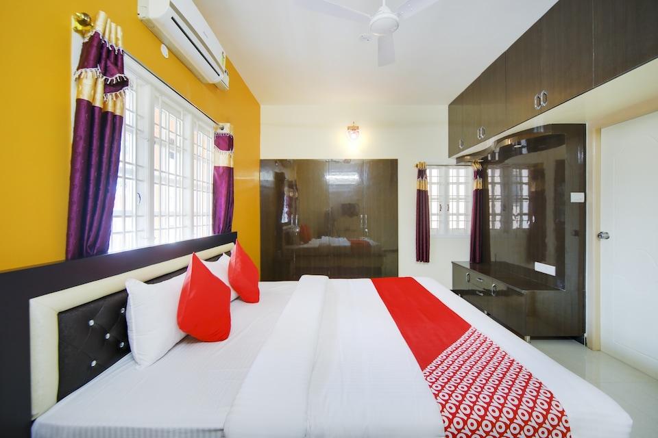 OYO 72591 Sri Sai Sathya Residency