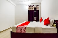 OYO 72616 Hotel White Rock