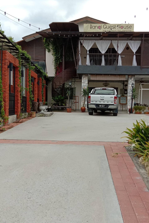 SPOT ON 90064 Bgh Hostel Lama