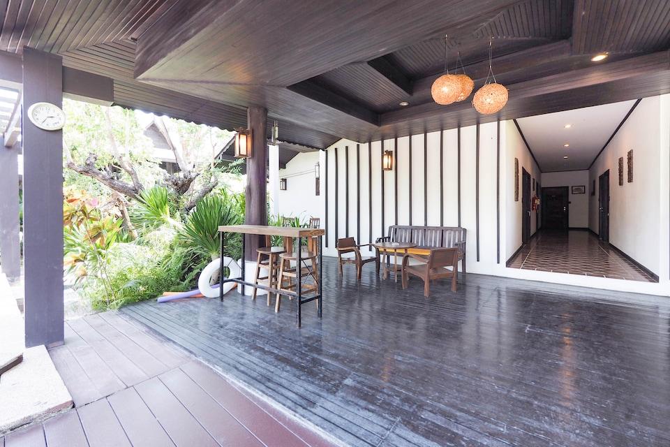 Capital O 919 Rawisara Villa Resort