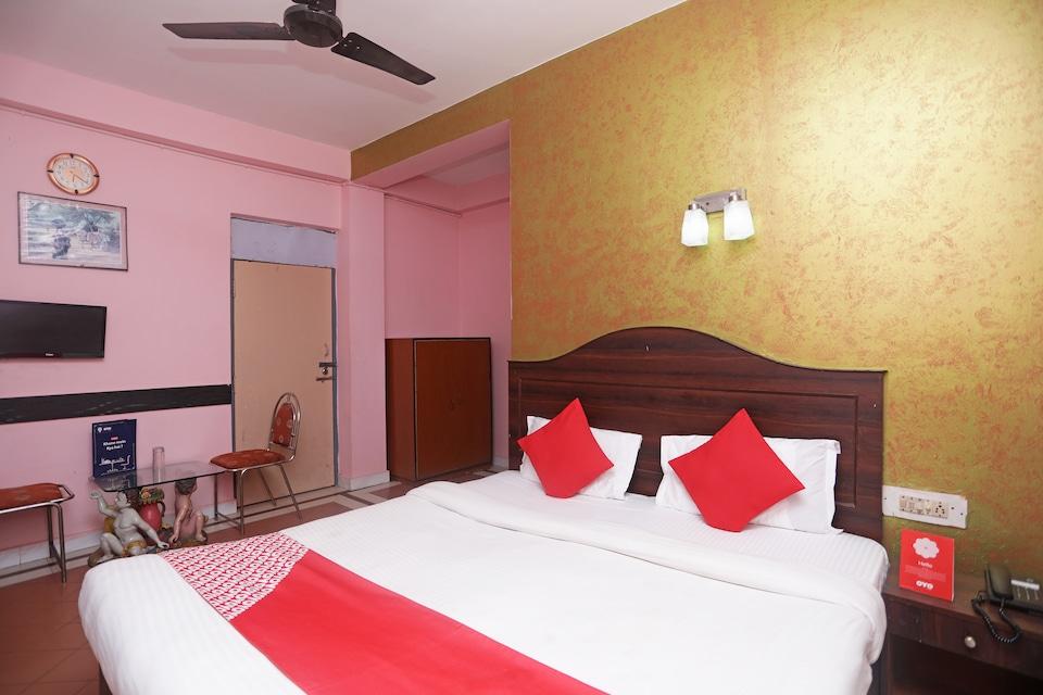 Capital O 6077 Hotel Ashraya