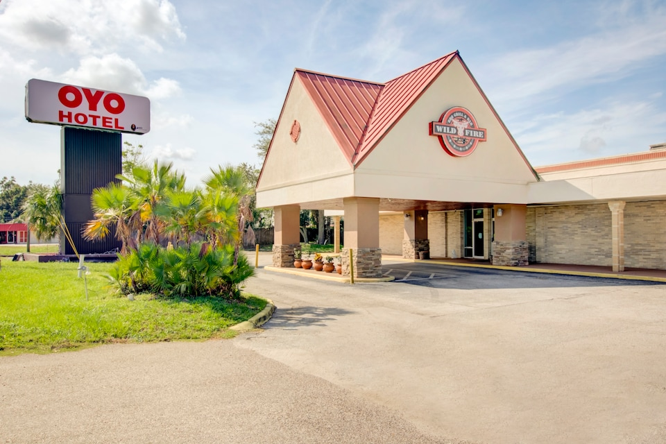 OYO Hotel Dundee By Crystal Lake, Dundee FL, Dundee FL