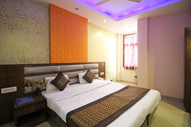 OYO Rooms 588 DB Gupta Road Near Flyover