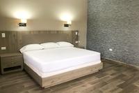 Capital O Palms Hotel