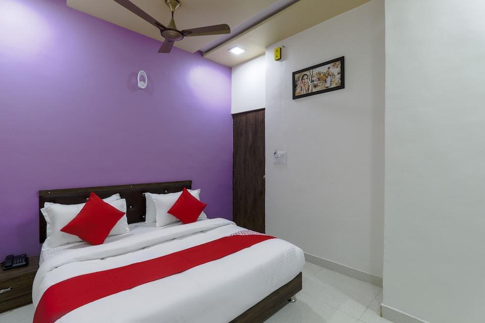 OYO 73055 Br Hotel