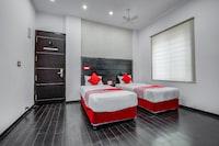 OYO 6144 Hotel M Plaza