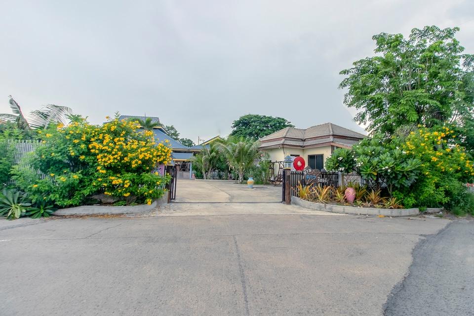 Capital O 961 Baan Dow Chompoo Resort, Outter Hua Hin City P2, Hua Hin