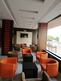 OYO 491 Rosa Plaza Hotel
